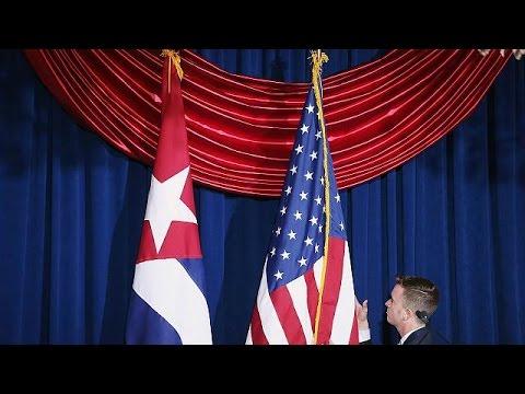 Η σημαία της Κούβας κυματίζει στις ΗΠΑ μετά από 54 χρόνια – «Αγκάθι» παραμένει το Γκουαντάναμο