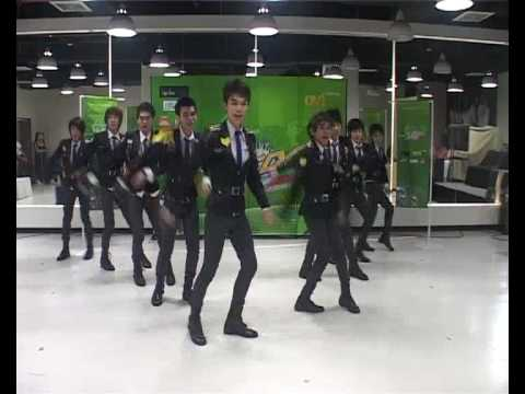 Boys' Generation |Cover SNSD::Thailand| - Genie @NOKIA Asian Cover Dance Contest