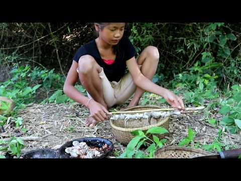 Survival skills: Octopus with peppers grilled for food - Cooking Octopus eating delicious