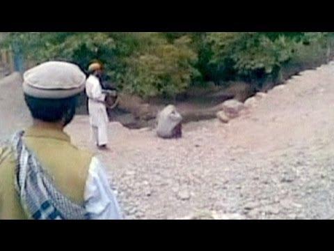 Afgan kadın zinadan kurşuna dizildi