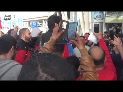 مصر العربية   بعثة طائرة الأهلى تصل القاهرة بعد التتويج بالبطولة الإفريقية