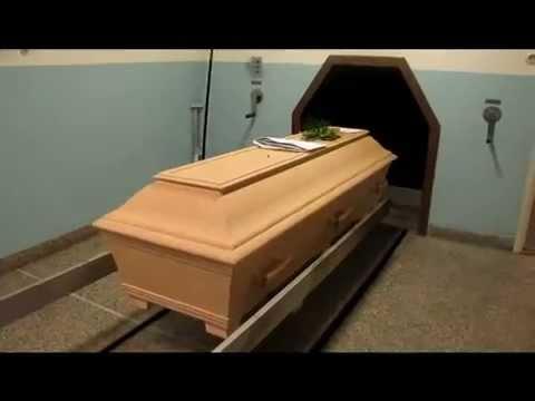 come viene eseguita la cremazione di un corpo umano.