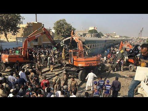 Πακιστάν: Πολύνεκρη σύγκρουση τραίνων – world