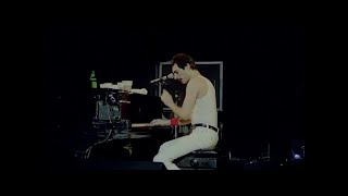 Video Queen - Play The Game (Live at Montreal) MP3, 3GP, MP4, WEBM, AVI, FLV Februari 2019