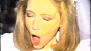 "Lena Zavaroni Sings ""Help Me..."" at her own wedding!!!"