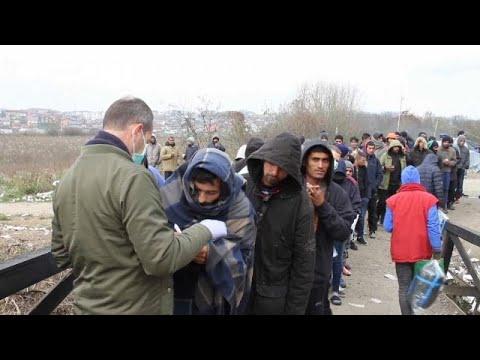 Αντιμέτωποι με τη βαρυχειμωνιά οι μετανάστες στα σύνορα Βοσνίας-Κροατίας …