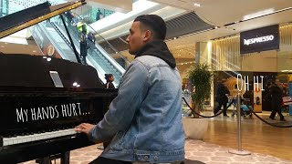 Video Amazing Piano Medley At Mall!!! (UK)Tokyo Ghoul, River Flows In You, Naruto, Interstellar MP3, 3GP, MP4, WEBM, AVI, FLV Juli 2018