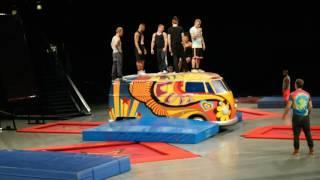 Video Backstage with cirque du soleil Love MP3, 3GP, MP4, WEBM, AVI, FLV Juni 2018