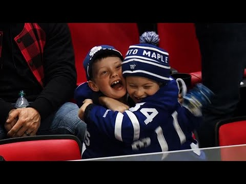 Video: Fans go nuts as Matthews scores game-winner with 30 seconds left against Red Wings