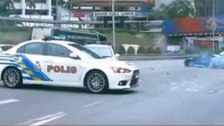 Nonton Malaysia Police Evo 10 Chasing Nissan 180sx Film Subtitle Indonesia Streaming Movie Download