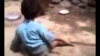 Video Video Kocak - Anak Kecil Berantem Dengan Monyet MP3, 3GP, MP4, WEBM, AVI, FLV April 2017
