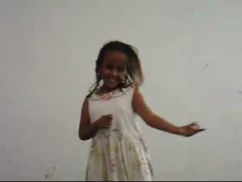 الطفلة المعجزة التي اعجبت الملايين