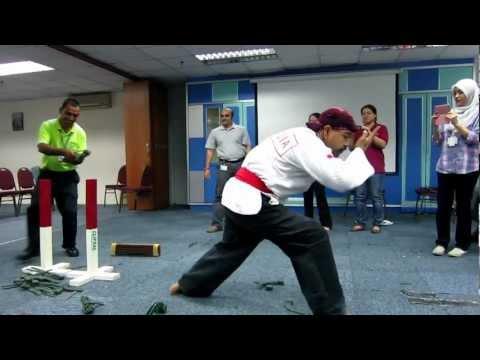 Pencak Silat Merpati Putih Atraction in Malaysia – Dr. Rachman Sjarief