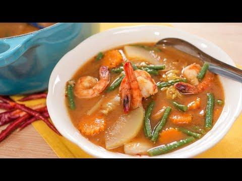 Gaeng Som - Sour Curry Recipe แกงส้ม Hot Thai Kitchen!