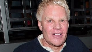 Abercrombie&Fitch CEO Is A Dick