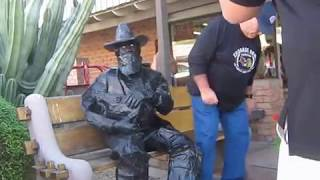 Video Statue Surprise!    NOVEMBER 19, 2016 MP3, 3GP, MP4, WEBM, AVI, FLV Juli 2017