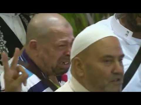 #فيديو : طلع البدر علينا تُبكي ضيوف برنامج خادم الحرمين الفلسطينيين
