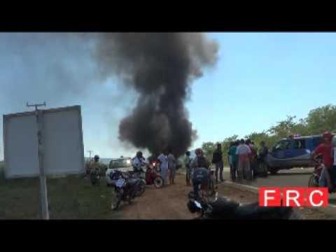 Protesto em Piripá - Rodovia BA-263 - Rlha Refional de Condeúba