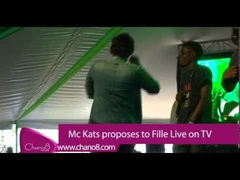 Mc Kats proposes to Fille