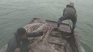 Video Beginilah cara nelayan bagan siapi api menangkap udang..(bubu tarik) MP3, 3GP, MP4, WEBM, AVI, FLV Mei 2019