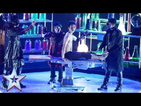 超神舞團在節目上大跳難度相當高的機械舞,結果他們無視人體工學的「自殘動作」嚇歪所有人!