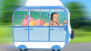 Video Nouveau CAMPING CAR et BARBECUE avec la FAMILLE PEPPA PIG - Démo Jouets MP3, 3GP, MP4, WEBM, AVI, FLV November 2017