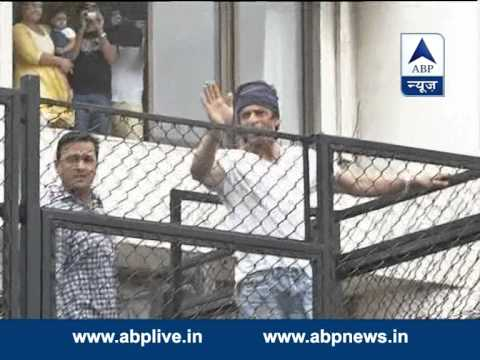 Bollywood  Badshah  Shah Rukh Khan greets his fans on the occasion of Eid 29 July 2014 05 PM