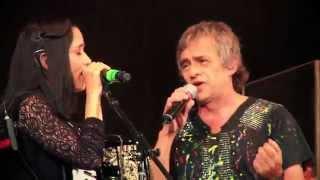 Los Auténticos Decadentes & Julieta Venegas - No Me Importa El Dinero (Live)