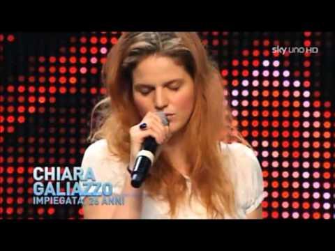 , title : 'Chiara : Over the rainbow - Stardust (feat. Mika) e Due Respiri - Live X Factor 2012'