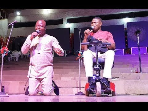 So Touching As Yinka Ayefele Storm Stage Wit His Best Friend As They Praise God Non-Stop