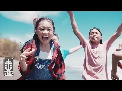 Video Zara Leola - Liburan (OST. Petualangan Menangkap Petir) | Official Video download in MP3, 3GP, MP4, WEBM, AVI, FLV January 2017