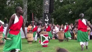 Les Maîtres Tambours du Burundi au Parc de La Villette le 25/07/2010.