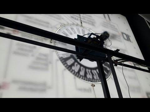 Почта Донбасса ремонтирует главные часы Донецка
