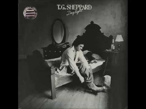 Tekst piosenki T.G. Sheppard - Happy Together po polsku
