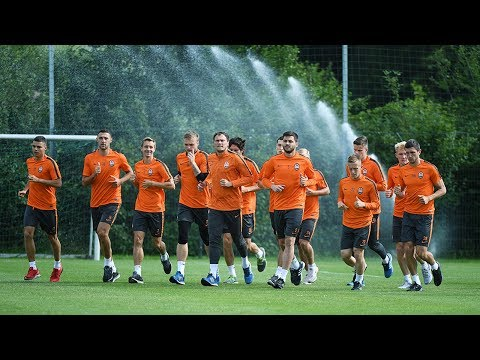 Shakhtar's first training session in Germany (видео)