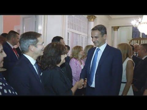 Συνάντηση του Πρωθυπουργού με τον Έλληνα Πρέσβη και μέλη της Ελληνικής Κοινότητας Καΐρου