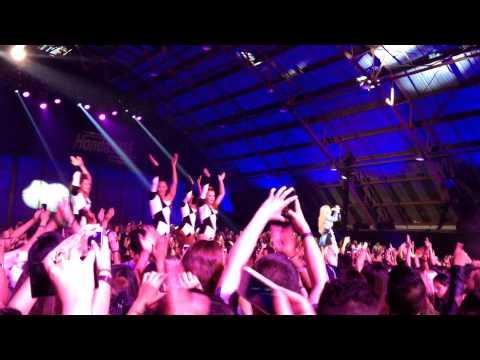 Iggy Azalea - Black Widow (Live) at VEVO Certified SuperFanFest 2014