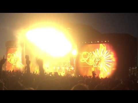 """Major Lazer - """"Light it Up"""" with Nyla Live at Coachella 2016 Weekend 2"""