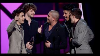 The Wanted Beat One Direction -- People's Choice Awards 2013!