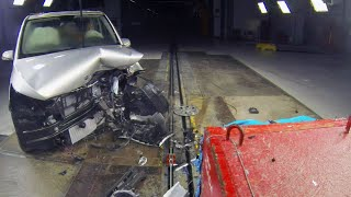 2015 Mercedes V-Class CRASH TEST