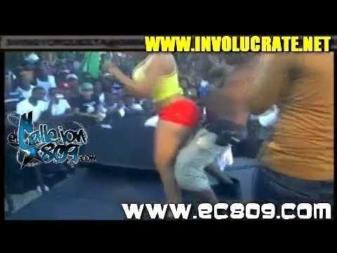 Video Famoso Vídeo de Paola la que Controla Quemando a El Sujeto Oro download in MP3, 3GP, MP4, WEBM, AVI, FLV January 2017