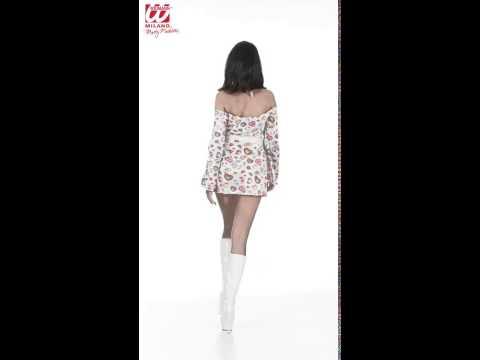 Déguisement femme des années 70 avec robe, ceinture et bandeau
