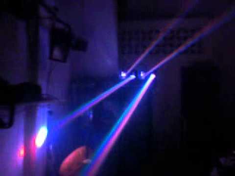Đèn led scan 4 cửa RGBW siêu mạnh cho cafe DJ sôi động