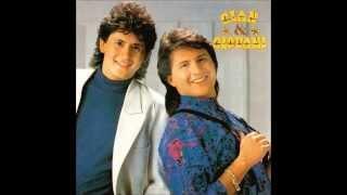 Volume 4 - Gian e Giovani (C) 1993 - Chantecler 1) Sai Dessa Coração (00:01) 2) De Que Planeta Você Veio? (03:41) 3) Meto O...
