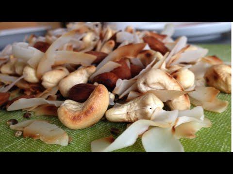 Geröstete Nussmischung / Low Carb Ernährung / Snack   paulkliks.com