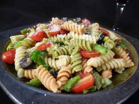 Salad - Detailed Recipe: http://showmethecurry.com/salad-raita/pasta-salad-3.html.