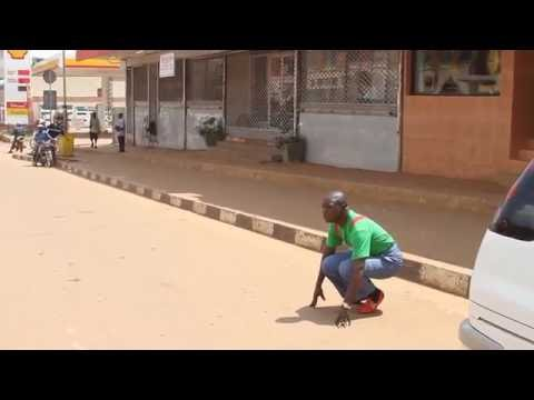BUSY ROAD (AFRICAN COMEDY)
