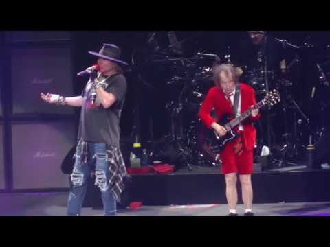 Video AC/DC W/Axl Rose - Thunderstruck (Madison Square Garden,Nyc) 9.14.16 download in MP3, 3GP, MP4, WEBM, AVI, FLV January 2017