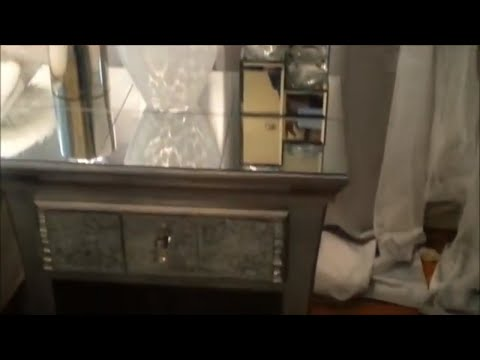 Glam Up an Old End Table to a Mirrored Table | DIY