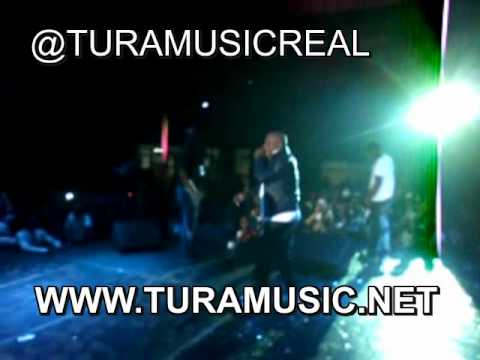 Japanesse Samuel En Vivo (Panama Vs Colombia) Www.TuraMusic.WMV